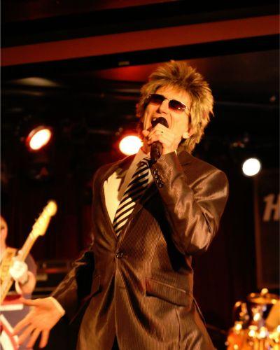 Rod Stewart impersonator